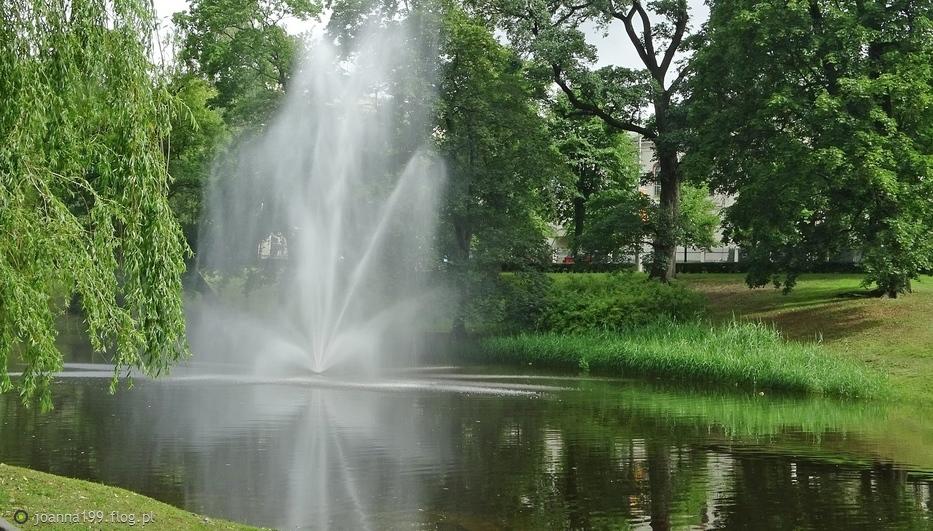 Ryga ... park przy łotewskiej operze narodowej ... doberek kochani ;)))