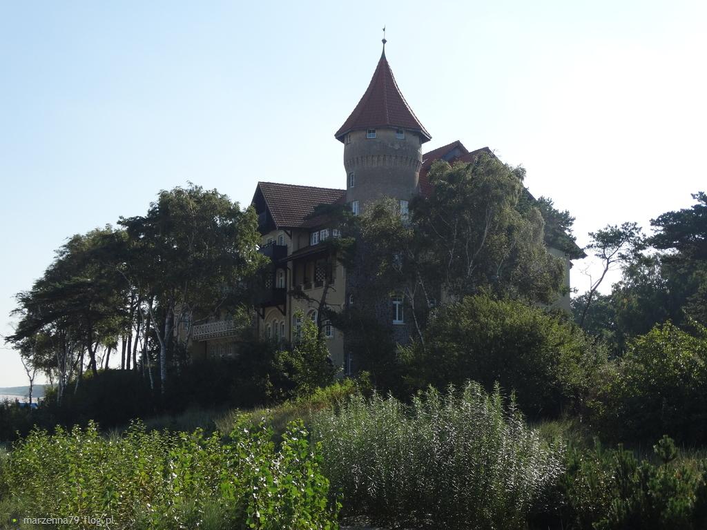 ŁEBA -  Zamek - Hotel NEPTUN przy plaży A  ☸ ⛵