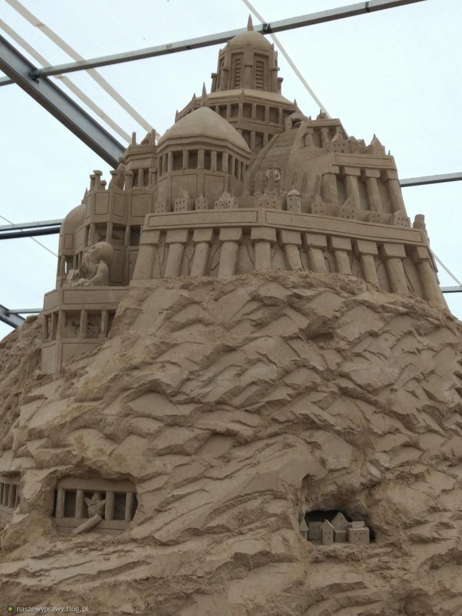 wystawa rzeźb z piasku