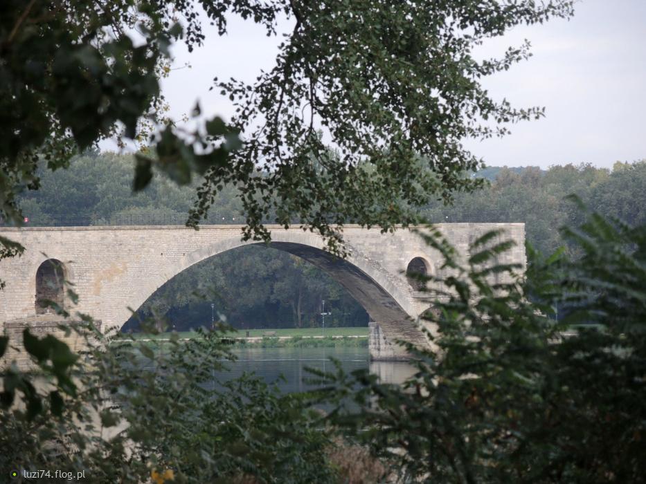 Slawetny most w Avignion