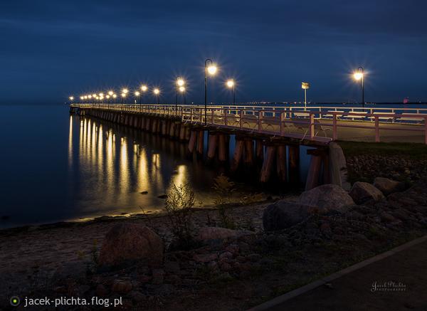http://s24.flog.pl/media/foto_middle/12146033_orlowskie-molo-tuz-przed-switem.jpg