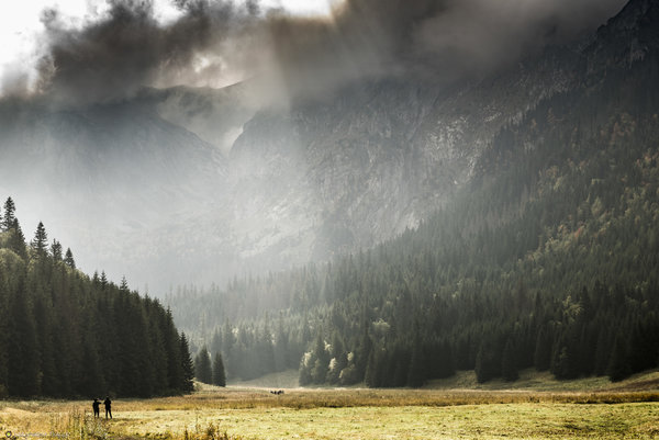 http://s24.flog.pl/media/foto_middle/12193283_jestesmy-mali-wobec-potegi-gor.jpg