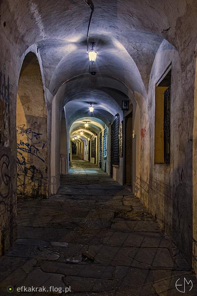 http://s24.flog.pl/media/foto_middle/12210779_bielsko-biala--nocne-igraszki-cd.jpg