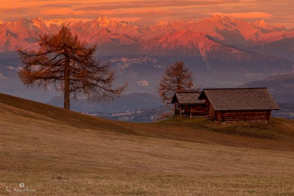 http://s24.flog.pl/media/foto_middle/12237941_seiser-alm--alpe-di-siusi--sudtirol.jpg