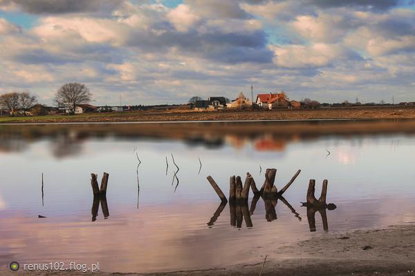 http://s24.flog.pl/media/foto_middle/12263551_jesienny-krajobraz.jpg