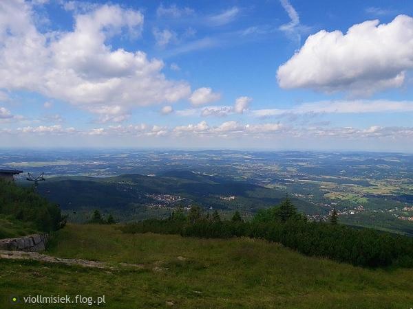 http://s24.flog.pl/media/foto_middle/12284714_widok-z-kopy-w-karpaczu-.jpg