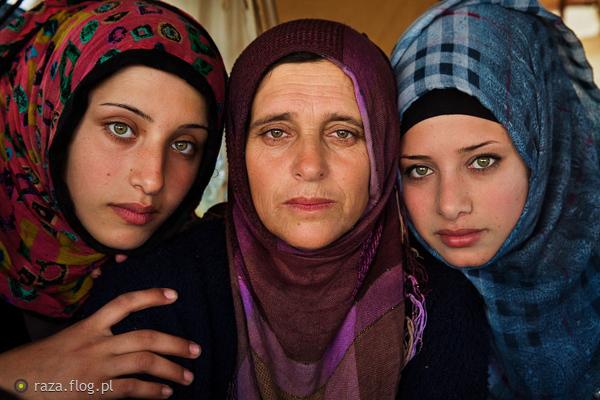 http://s24.flog.pl/media/foto_middle/12299606_kydeki-afgan-kadnlar.jpg