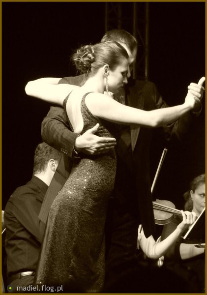 http://s24.flog.pl/media/foto_middle/12307147_tango-na-dobranoc.jpg