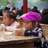 :: zjedzenie zupy pałeczkami<br /> nie jest łatwe , chyba ż<br />e się ćwiczy od dziecka