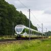 ER75-002 :: Duet Flirtów, jako pociąg<br /> KM linii R2, na pełnej p<br />rędkości przemierza szlak<br /> Cegłów Mrozy.   2
