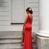 Lady in red ::