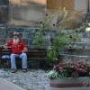 Sandomierski klimat . :: Siedzi Rumcajs na ławce i marzy o swej Chatce. Śpiewa o swym losie i ma wszystko w nosie :)