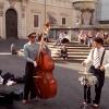 Rzymscy muzycy-grają tury<br />stom już od rana.