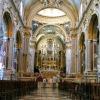 Na świecie jest tylko kil<br />ka kościołów,w których or<br />gany umieszczone są w pre<br />zbiterium.Takim wyjątkiem<br /> jest również Bazylika o.<br />Benedyktynow na Monte Cas<br />sino.
