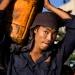 Pracownik portowy w Rango<br />on :: W porcie w Rangunie więks<br />zość prac przy załadunku <br />i wyładunku statków wciąż<br /> odbywa się ręc